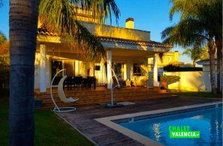29745-piscina-palmeras-chalet-valencia