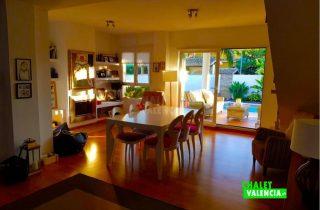 29745-salon-comedor-con-terraza-chalet-valencia