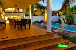 29745-terraza-piscina-2-chalet-valencia
