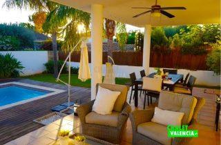 29745-terraza-piscina-3-chalet-valencia