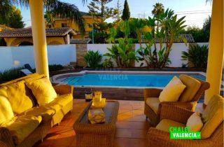 29745-terraza-piscina-relax-chalet-valencia