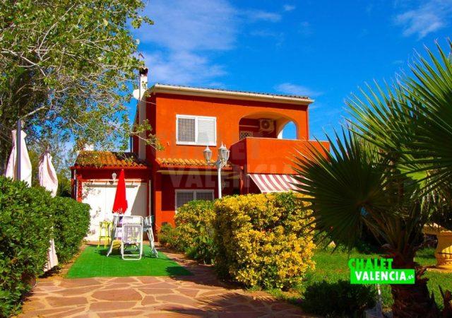 29783-jardin-entrada-chalet-valencia