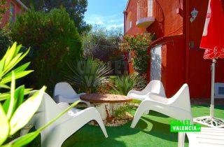 29783-piscina-zona-relax-chalet-valencia