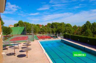 29783-zc-piscina-grande-chalet-valencia
