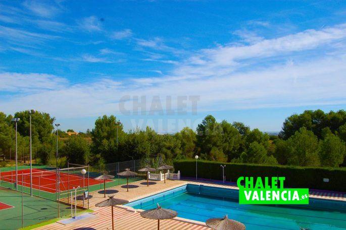 Vista piscina Pla les Clotxes