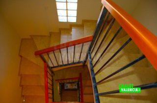 30327-escaleras-2-chalet-valencia