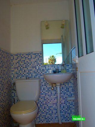 30327-piscina-bano-4-exterior-chalet-valencia
