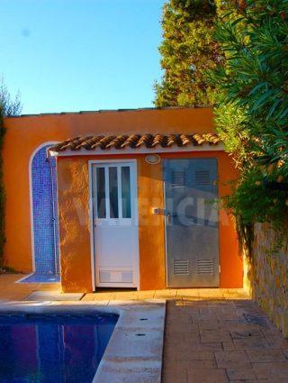30327-piscina-bano-chalet-valencia