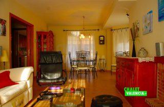 30327-salon-comedor-acceso-chalet-valencia