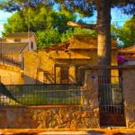 Small plot of land with house in La Cañada