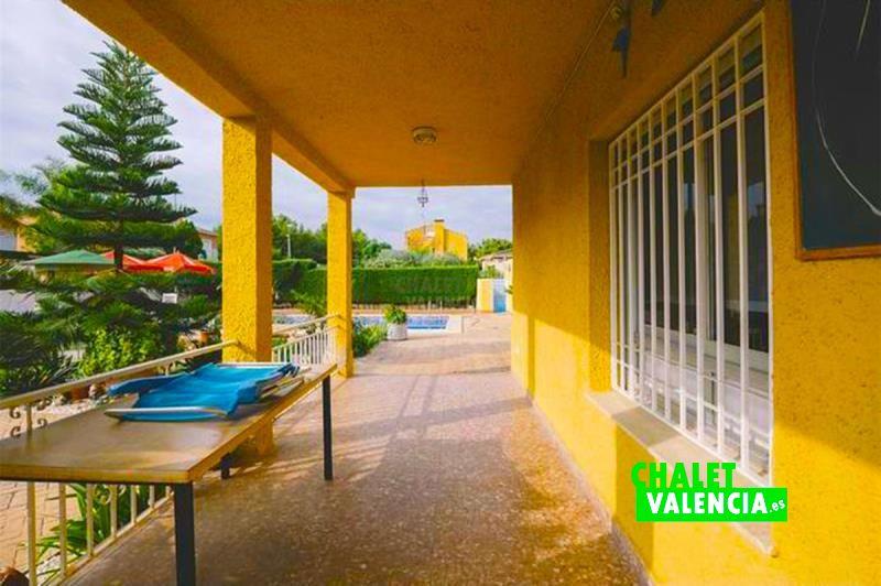 31828-terraza-piscina-chalet-valencia