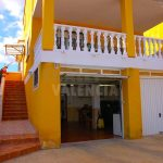 Chalet con piscina privada en urbanización Pedrizas Chiva