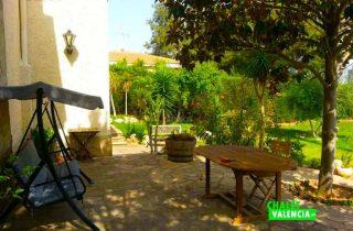 32156-exterior-casa-jardin-chalet-valencia
