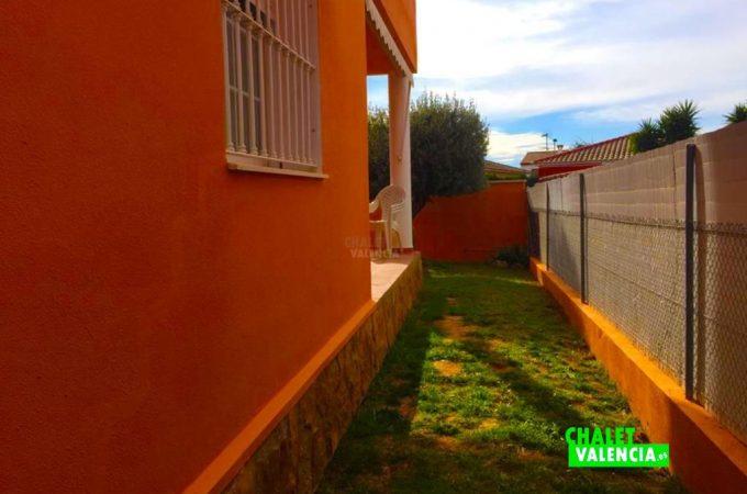 32619-exterior-jardin-lateral-chalet-valencia