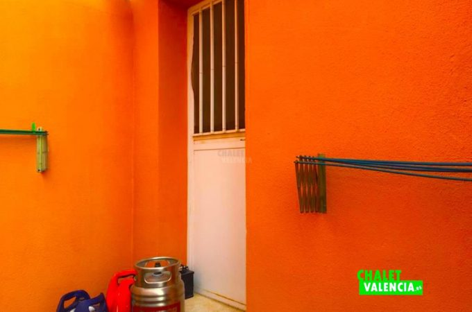 32619-exterior-puerta-casa-chalet-valencia
