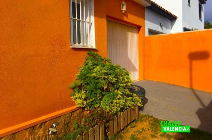 32619-exterior-puerta-garaje-chalet-valencia