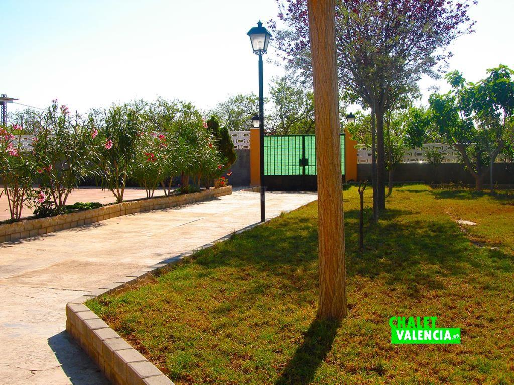 32973-entrada-parcela-chalet-valencia