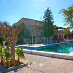 Chalet con piscina a 2km de La Pobla de Vallbona