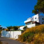 Modern villa with beautiful views in Calicanto