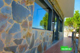 33807-fachada-lateral-4-chalet-valencia
