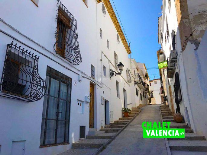 Calle de Altea Alicante con casa de pueblo