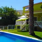 Semi-detached house with pool in Maravisa