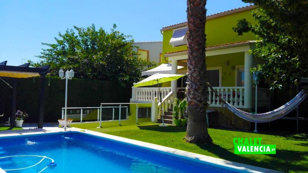 Chalet pareado con piscina en Maravisa