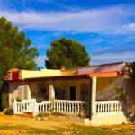 Casa de campo con gran parcela de terreno en Cheste