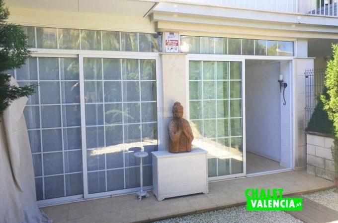35690-entrada-terraza-chalet-valencia