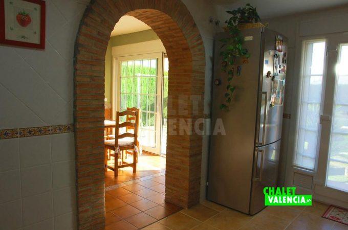 37500-9303-chalet-valencia