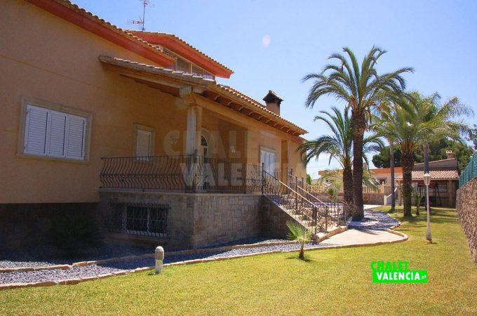 37931-jardin-entrada-chalet-valencia