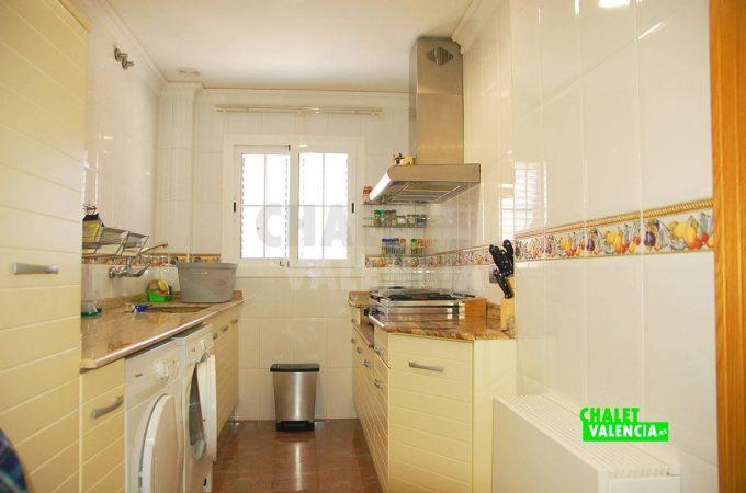 37931-pb-cocina-lavadero-chalet-valencia
