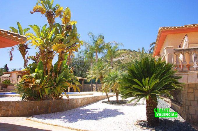 37931-piscina-zona-gym-chalet-valencia