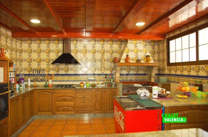 37931-sotano-cocina-chalet-valencia
