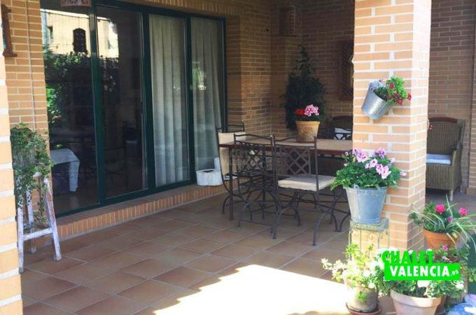 38079-exterior-terraza-chalet-valencia