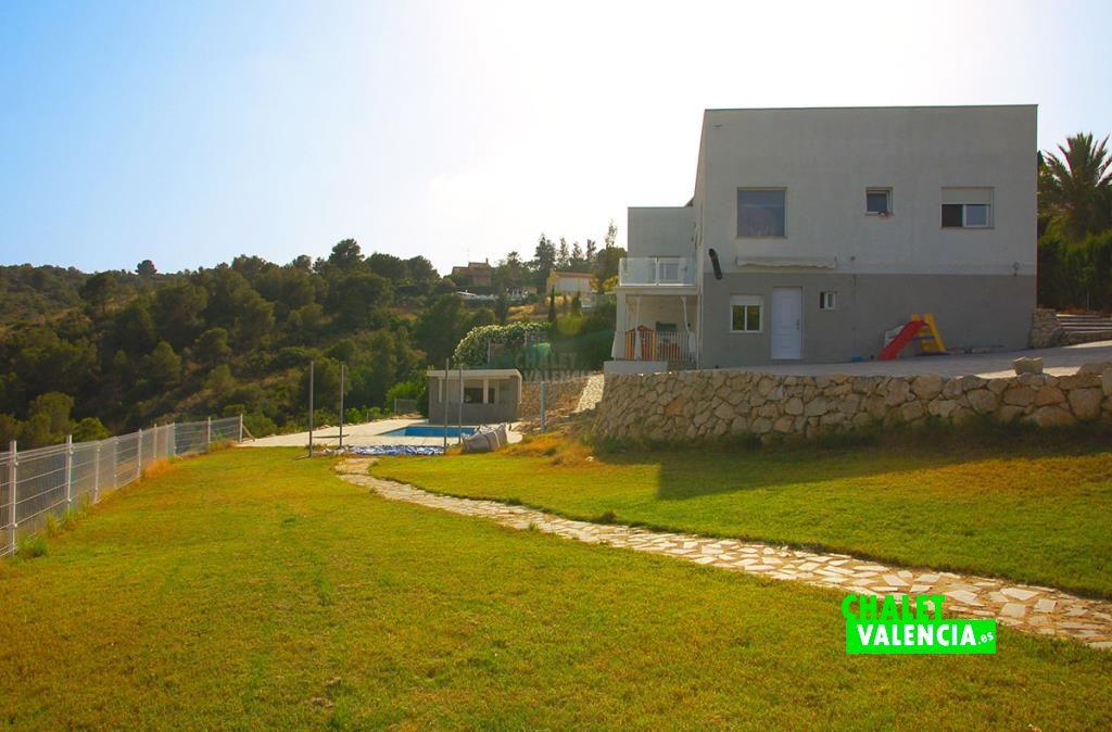 Chalet moderno con energía solar Valencia España