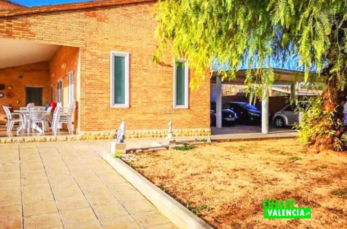 entrada-porche-2-chalet-valencia