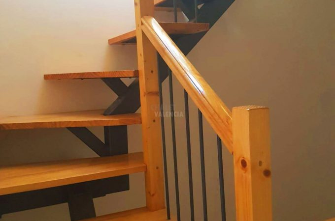 38677-escaleras-chalet-valencia