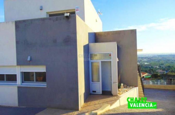 38833-entrada-casa-chiva-chalet-valencia