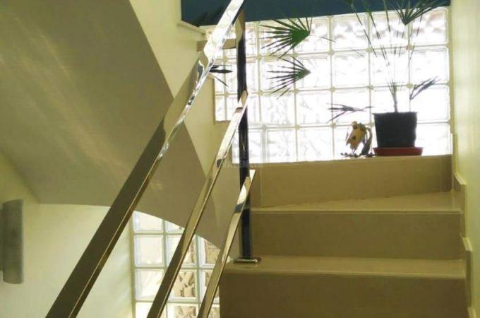 38833-escaleras-chiva-chalet-valencia