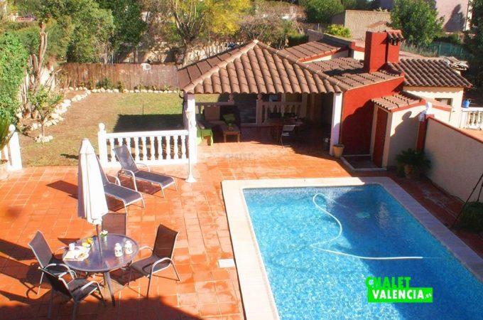 38929-piscina-vistas-dia-chalet-valencia