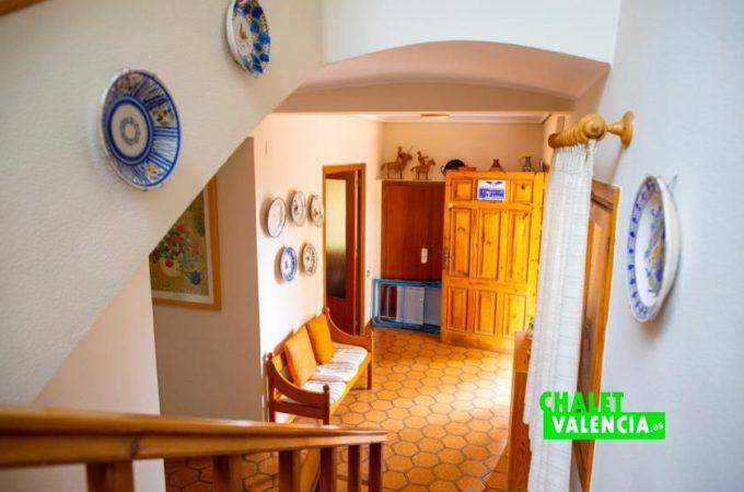 39171-entrada-escaleras-chalet-valencia