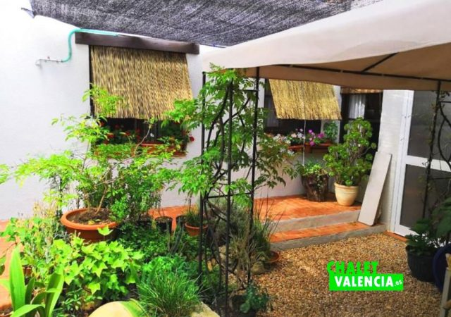 39356-patio-2-chalet-valencia