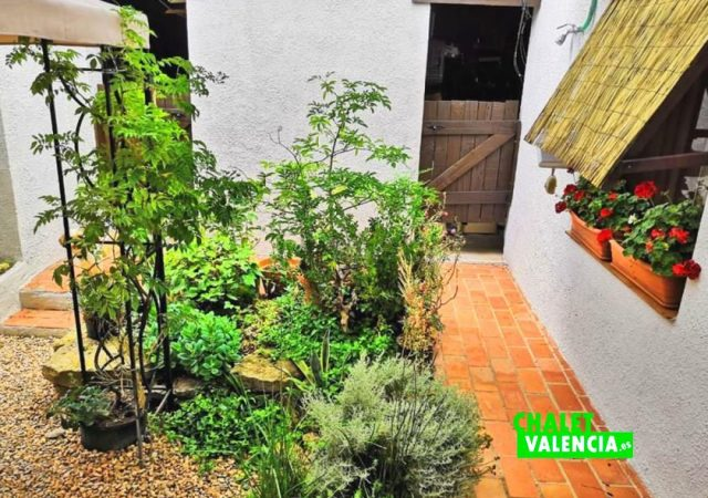 39356-patio-chalet-valencia