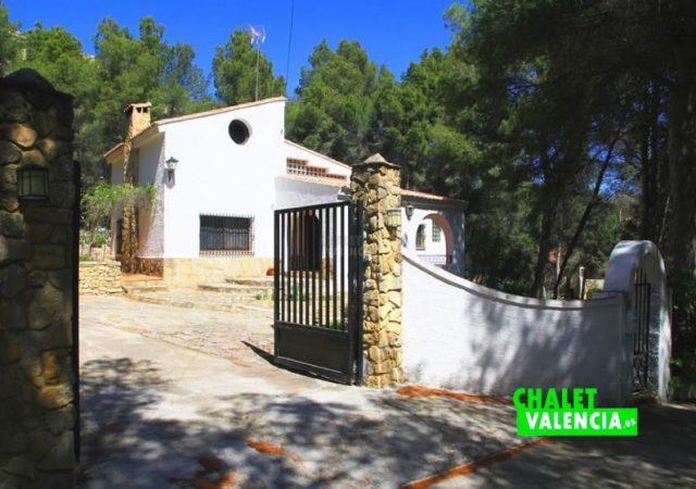 39425-entrada-chalet-valencia