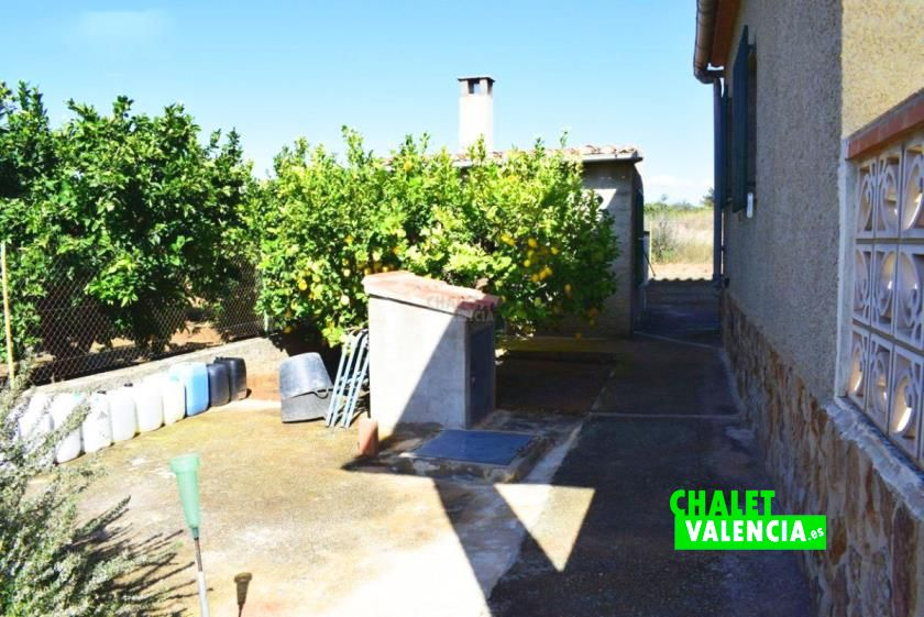 Casa de campo con terreno de cultivo Valencia
