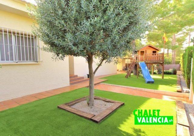 39799-jardin-1-chalet-valencia