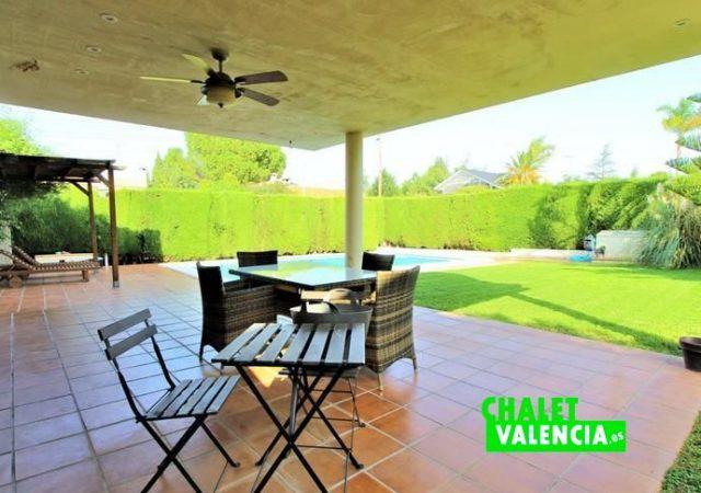 39799-terraza-piscina-chalet-valencia