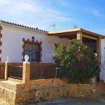Chalet con bonita piscina en Pedralba