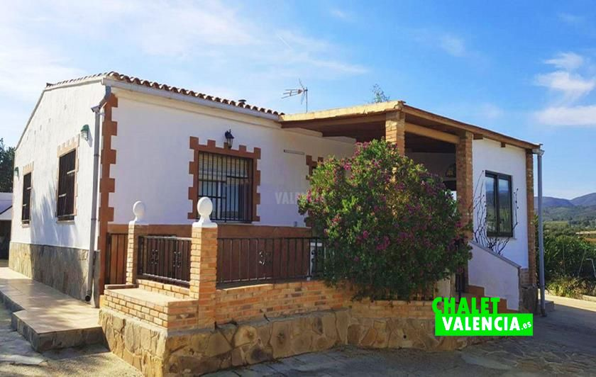 Chalet con piscina en Pedralba